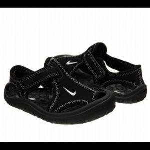 EUC Nike sandals 6C